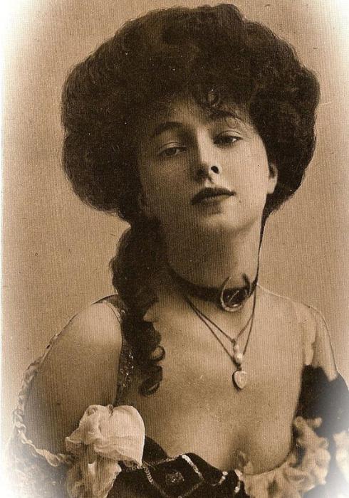 Hair History: 1910's-1950's - Leon Studio One